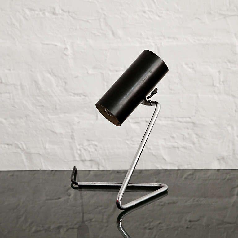 Gino Sarfatti; #551 Enameled Metal and Chromed Tubular Steel Table Lamp for Arteluce, 1951.
