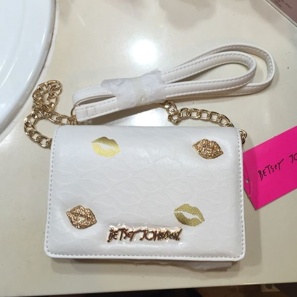 Betsey Johnson Sugar Lips Wallet Purse Brand new. Betsey Johnson. Gorgeous. Cream Sugar Lips Wallet Purse with Gold. Gorgeous Betsey Johnson Bags Wallets