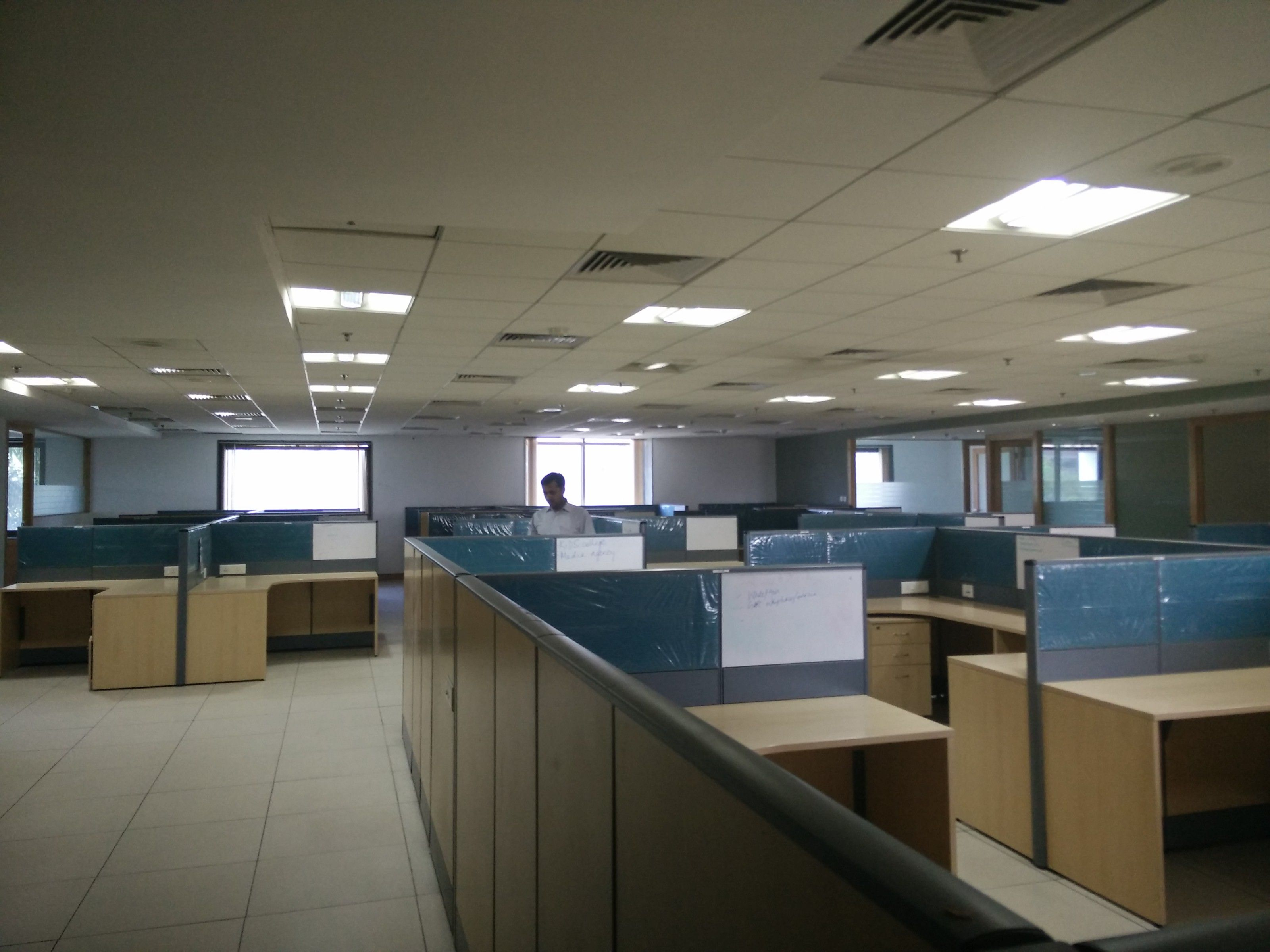 Search Office space for Rent in Okaya Centre, Noida