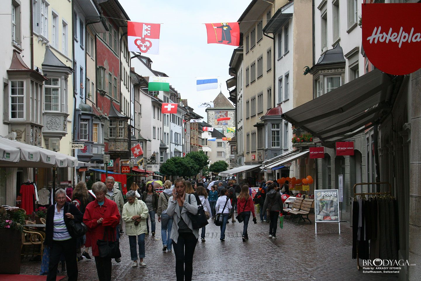 Google Image Result for http://www.brodyaga.com/pages/photos/Switzerland/Schaffhausen%2520Switzerland%25201282288207(www.brodyaga.com).jpg
