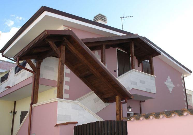 Tettoie per scale esterne nel 2020 scale esterne scale for Stili di case esterni