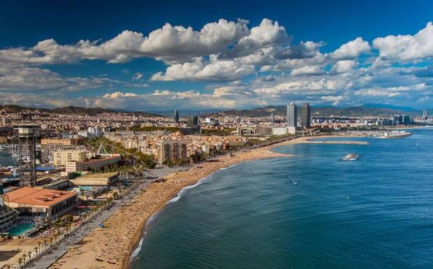 Sally Davies Our Expert Offers A Guide To 10 Of The Best Places Eat In Barcelona For Traditional Paella Seafood And Tapas Bars Overlooking Beach