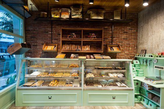 Vintage bakery display cases google search cafe for Case interior design