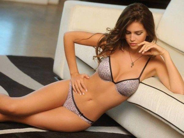 Imagenes de damas sensuales buscar con google for Vanesa romero ropa interior