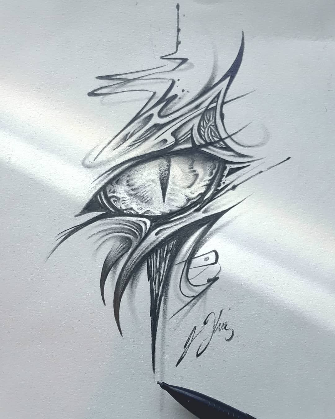 The eye of Helios the sun dragon. . . . . . . dragon