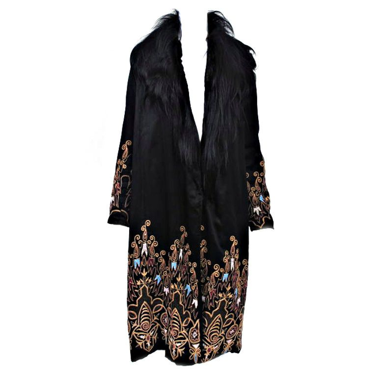 EMBROIDERED BLACK SILK 1920s COAT WITH FUR COLLAR