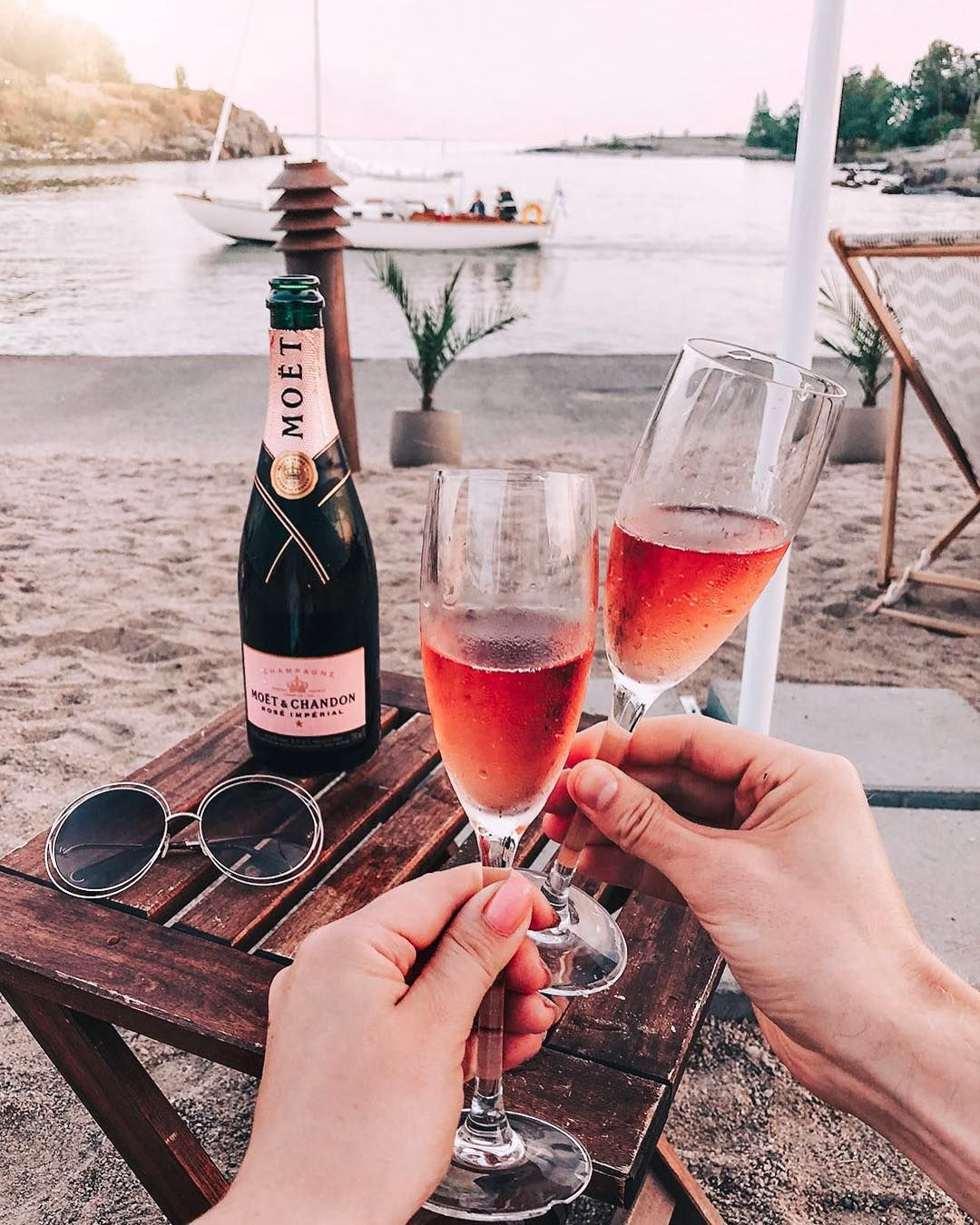 Pin By Viktoria On Cheers To Traveling Cheers To Life Wine Hampers Gifts For Wine Lovers Red Wine Gifts