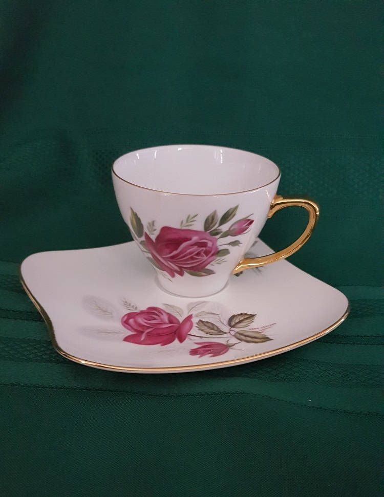 Cup And Saucer Westminster Australia Harvest Rose Series Smooth Red Roses Fine China Vintage Tennis Set 714f By Cup And Saucer Saucer Vintage Tennis