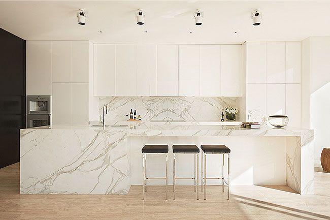 Minimalist Cloverdale Residence Minimalist Kitchen Kitchen Interior