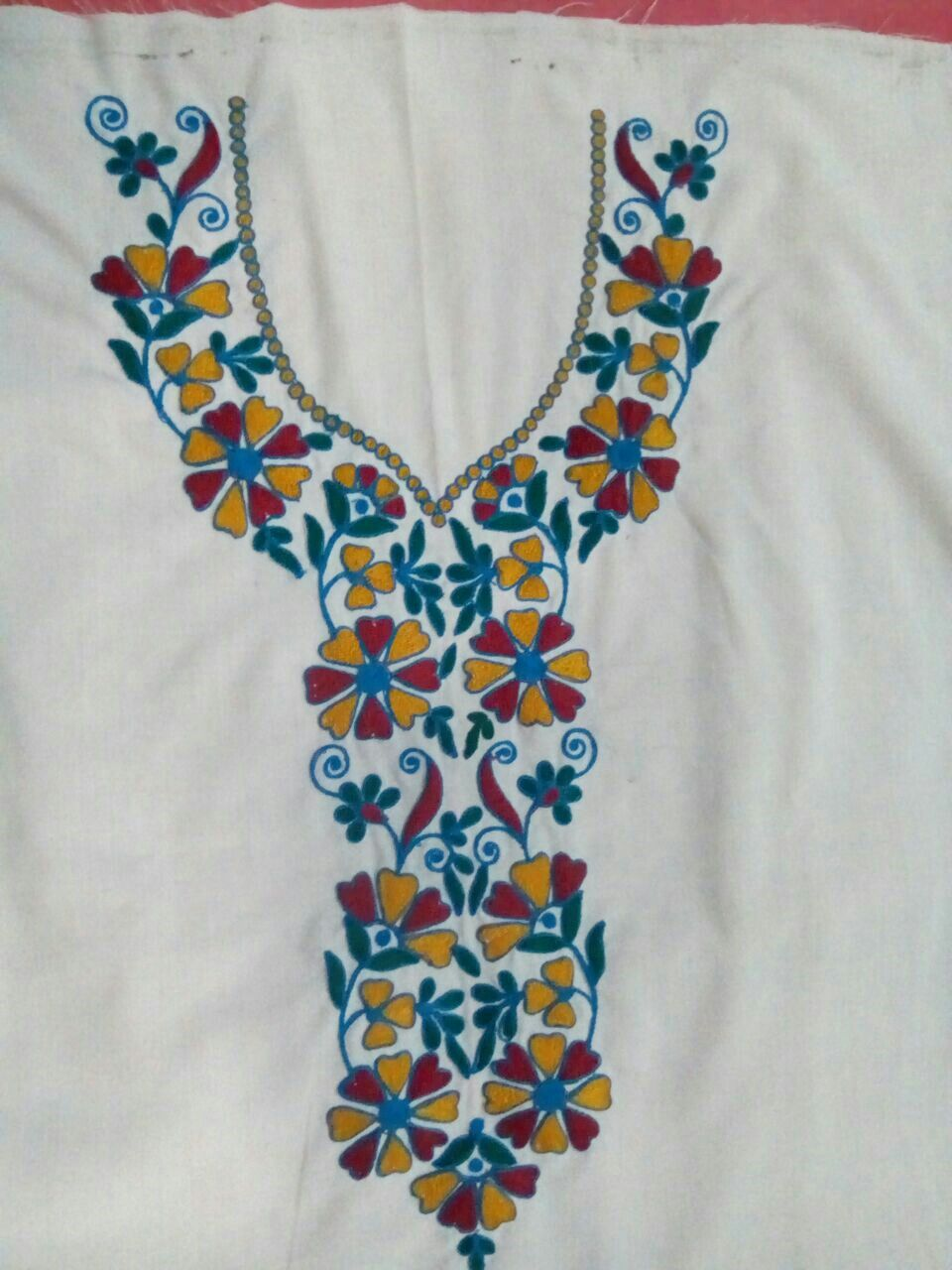 Pin by monica on Hand embroidery | Bordado, Blusones