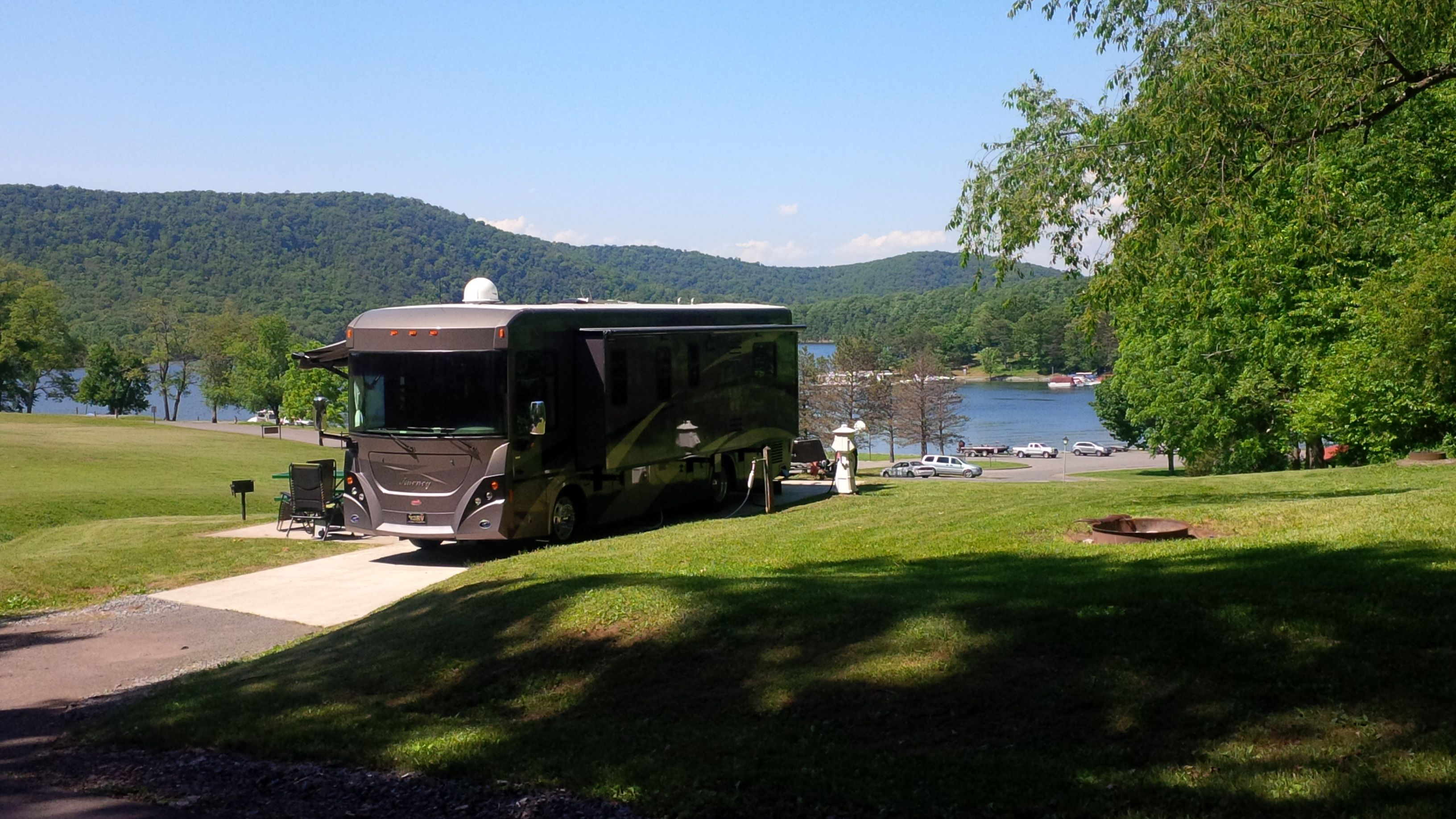 Rv Sites And Camping In Central Pennsylvania Lake Raystown Resort Lake Camping State Park Camping Outdoor Destinations