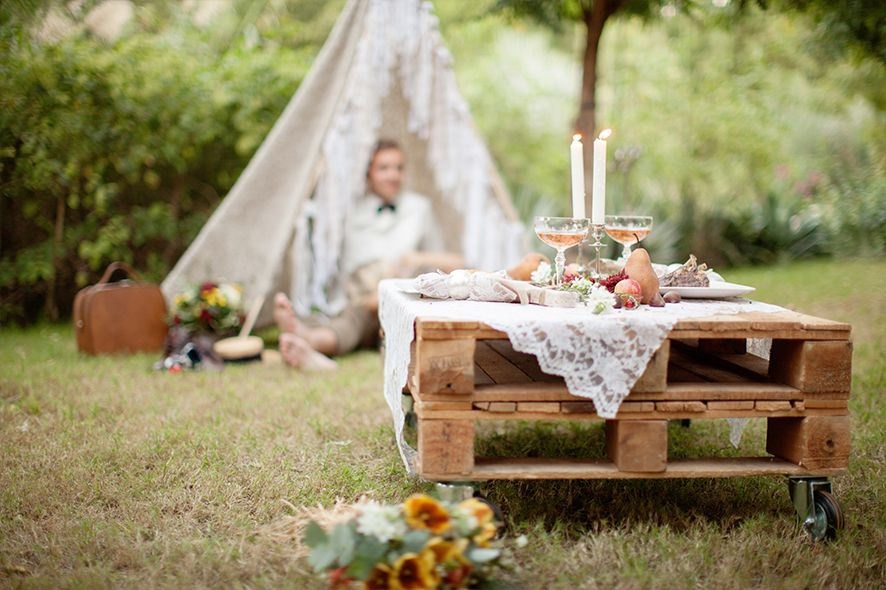 Vintage boho inspired shoot at The Farm in Dubai. DIY tipi tent for two! & Vintage boho inspired shoot at The Farm in Dubai. DIY tipi tent ...