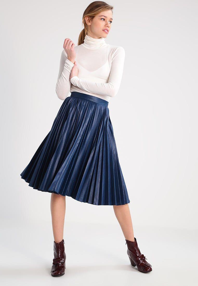 97c3639be Consigue este tipo de falda acampanada de Closet ahora! Haz clic ...