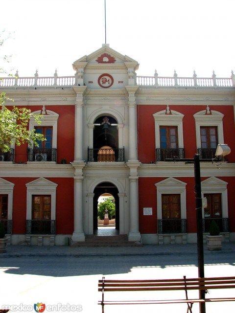 PALACIO MUNICIPAL.. Linares