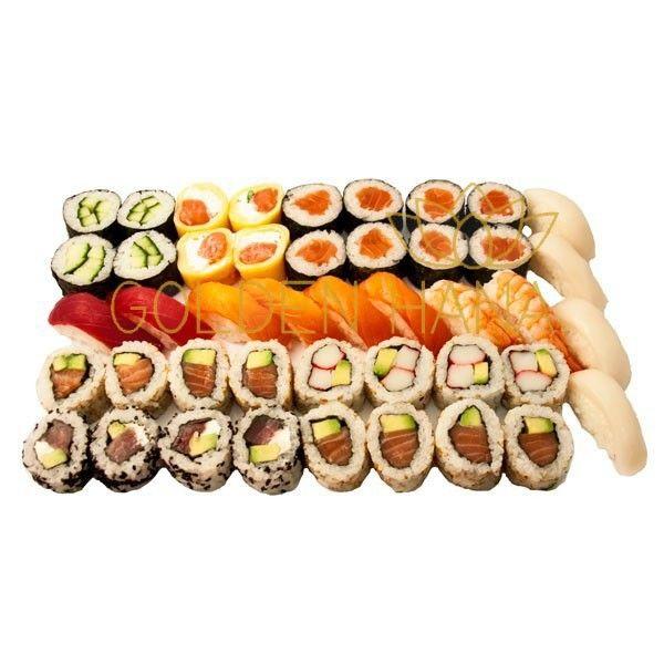 Menú de Sushi Premium para 3 ó 4 personas 8 Makis de Salmón 4 Makis de Pepino 4 Rolls de Atún, philadelphia y aguacate 8 Rolls de Salmón y aguacate 4 Rolls California (Kanikama y aguacate) 4 Yelow 2 Niguiris de Atún 4 Niguiris de Salmón 4 Niguiris de Pez Mantequilla 2 Niguiris de Langostino
