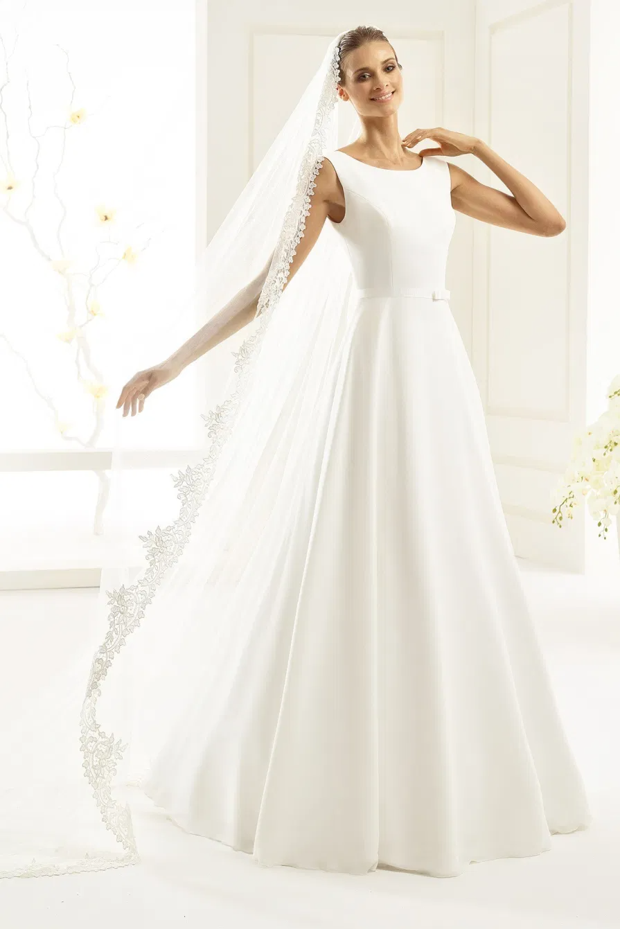 Wedding Dresses Bridesmaids Dress Bridal Gowns Shops In Wellesley And Boston Ma Jacqueline S Bridal Bridal Dresses Wedding Gown Trends Wedding Dresses