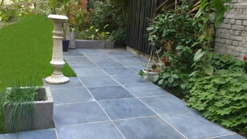 Terrasse pierre bleue terrasse pinterest terrasse for Carrelage pierre bleue prix