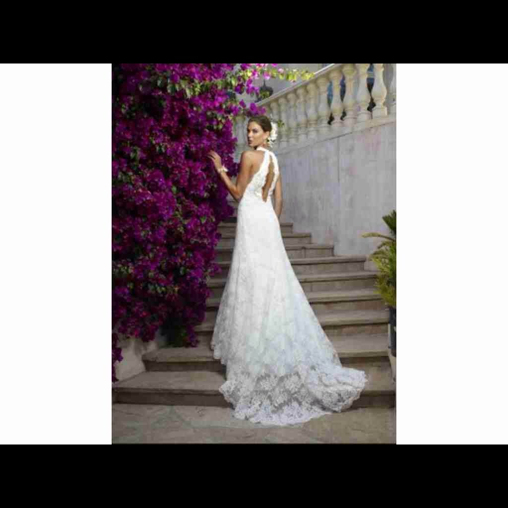 Wedding dress boxing  Casablanca  Wedding Gown  Veil Included  Products