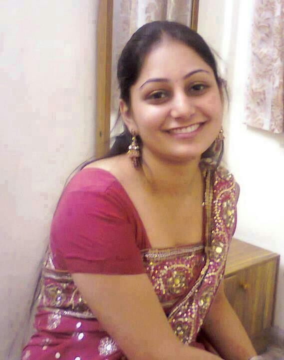 Indian House Wife Hot Images