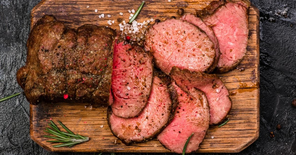 roastbeef so gelingt es butterzart essen und trinken pinterest fleisch roastbeef und braten. Black Bedroom Furniture Sets. Home Design Ideas