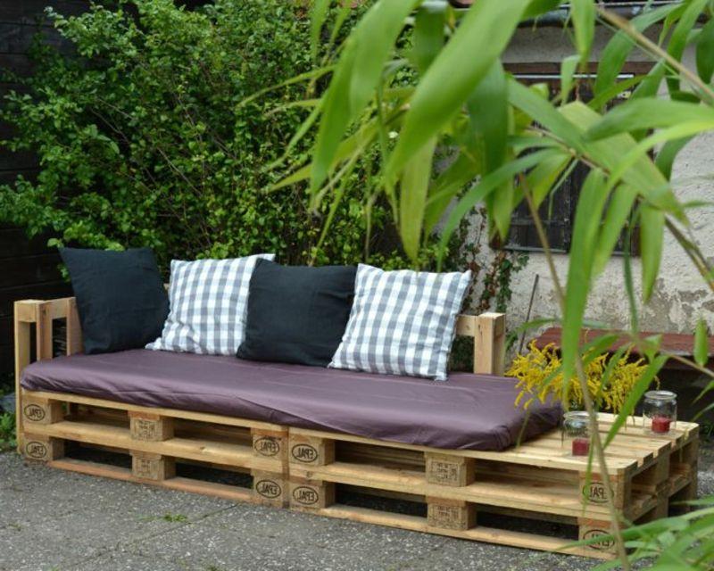 sofa aus europaletten im garten gartenideen garten garten ideen und garten terrasse. Black Bedroom Furniture Sets. Home Design Ideas