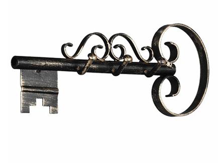 Colgador de llaves hecho en Forja. Perfecto en ambientes rústicos. Trabajado artesanalmente. Pieza única.