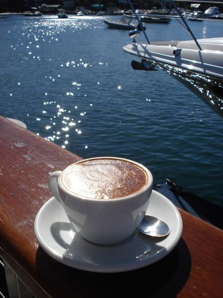 кофе на берегу моря