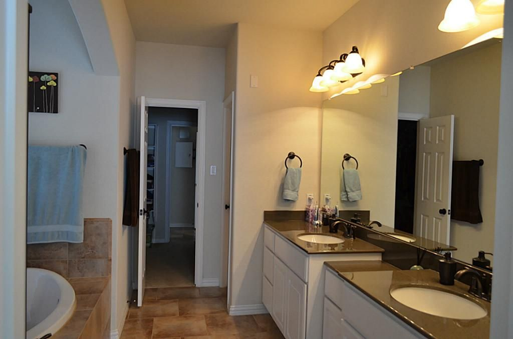 Large Master Bathroom with jacuzzi tub, separate shower, double ...