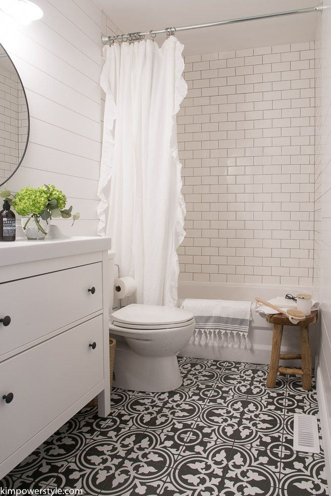 thehappyhousieporch fridays-faves-8  Bathroom