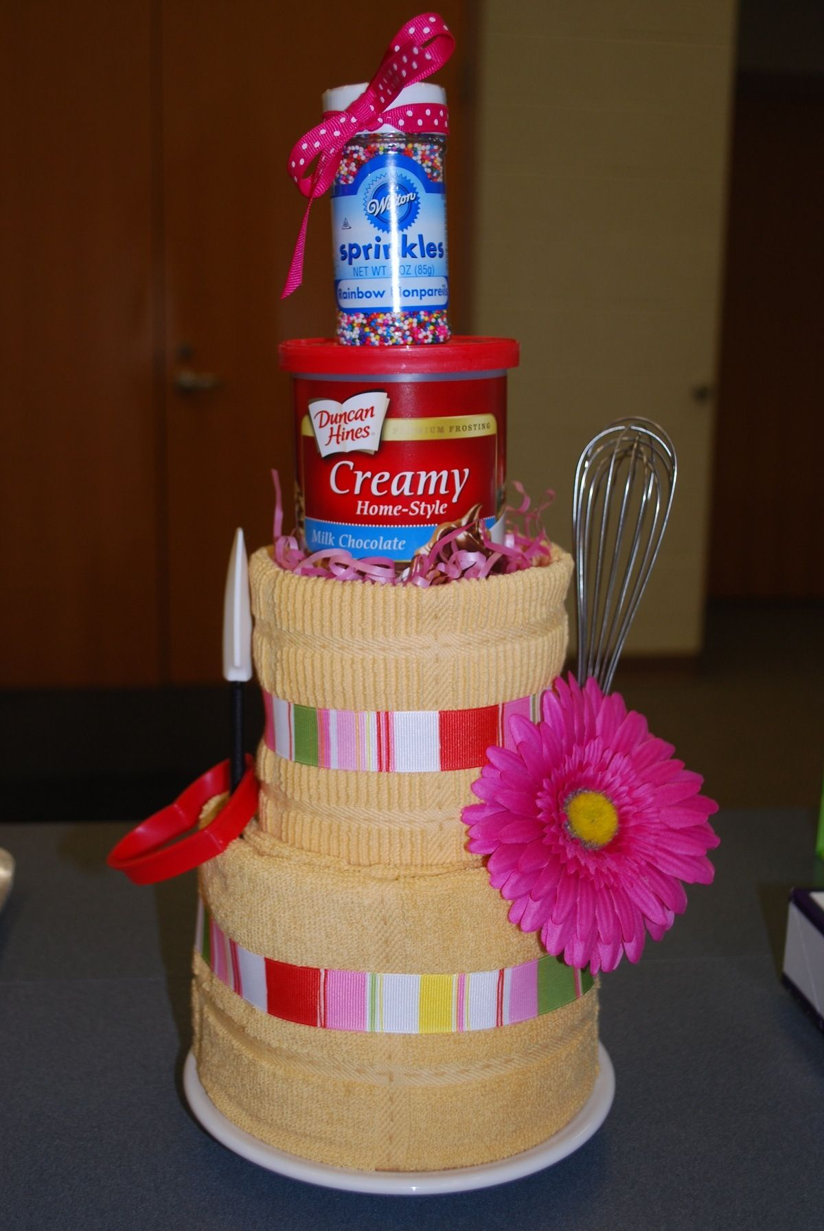 Towel cake Gift baskets for women, Gift cake, Diy gifts
