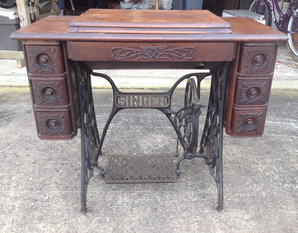 For sale is a 1913 Singer Sewing Machine model 127