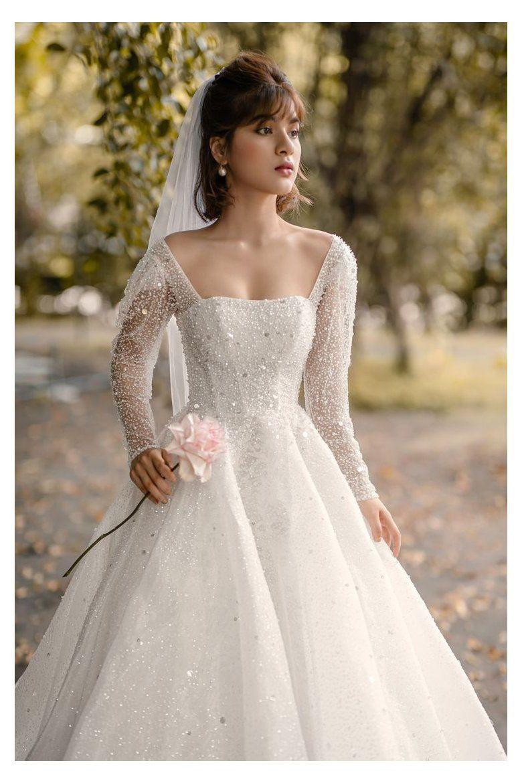 Daria Ballgown Sparkly Wedding Dress Long Sleeve Bridal Gown Sparkly Wedding Dress Glitt Sparkly Wedding Dress Winter Wedding Dress Glitter Wedding Dress [ 1170 x 780 Pixel ]