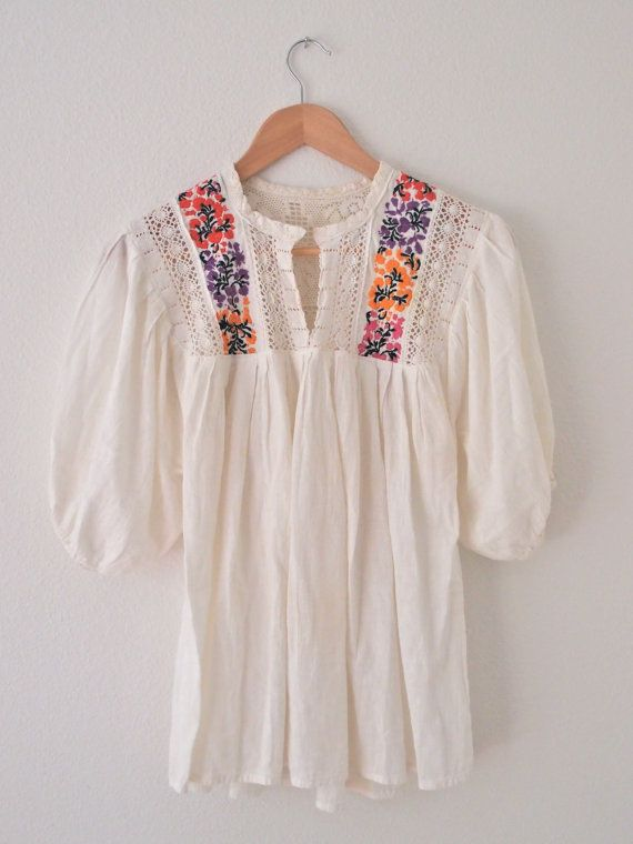 35c22eaaf624a Vintage Embroidered Mexican Blouse | dress | Blouse, Mexican blouse ...
