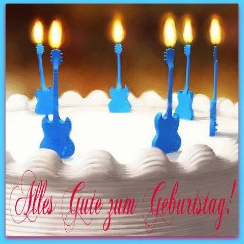Geburtstagskuchen Mit Kerzen Geformt Gitarre Geburtstagskuchen