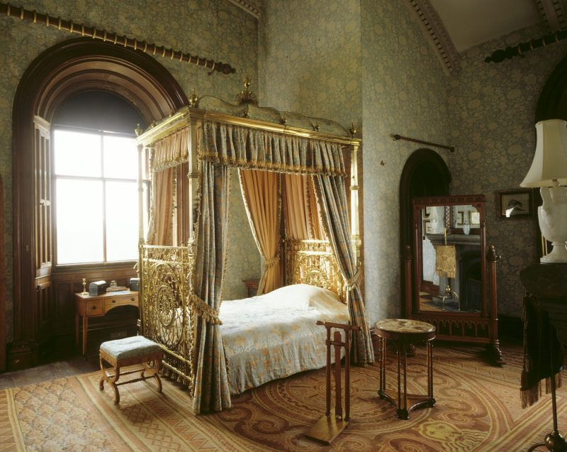 the keeps bedroom showing the brass bed which was ordered for the prince of wales - Brass Beds