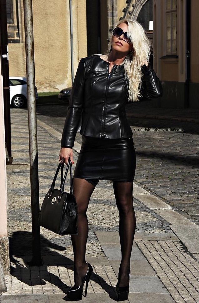Leather outfit | Leder outfits, Strumpfhosen outfit