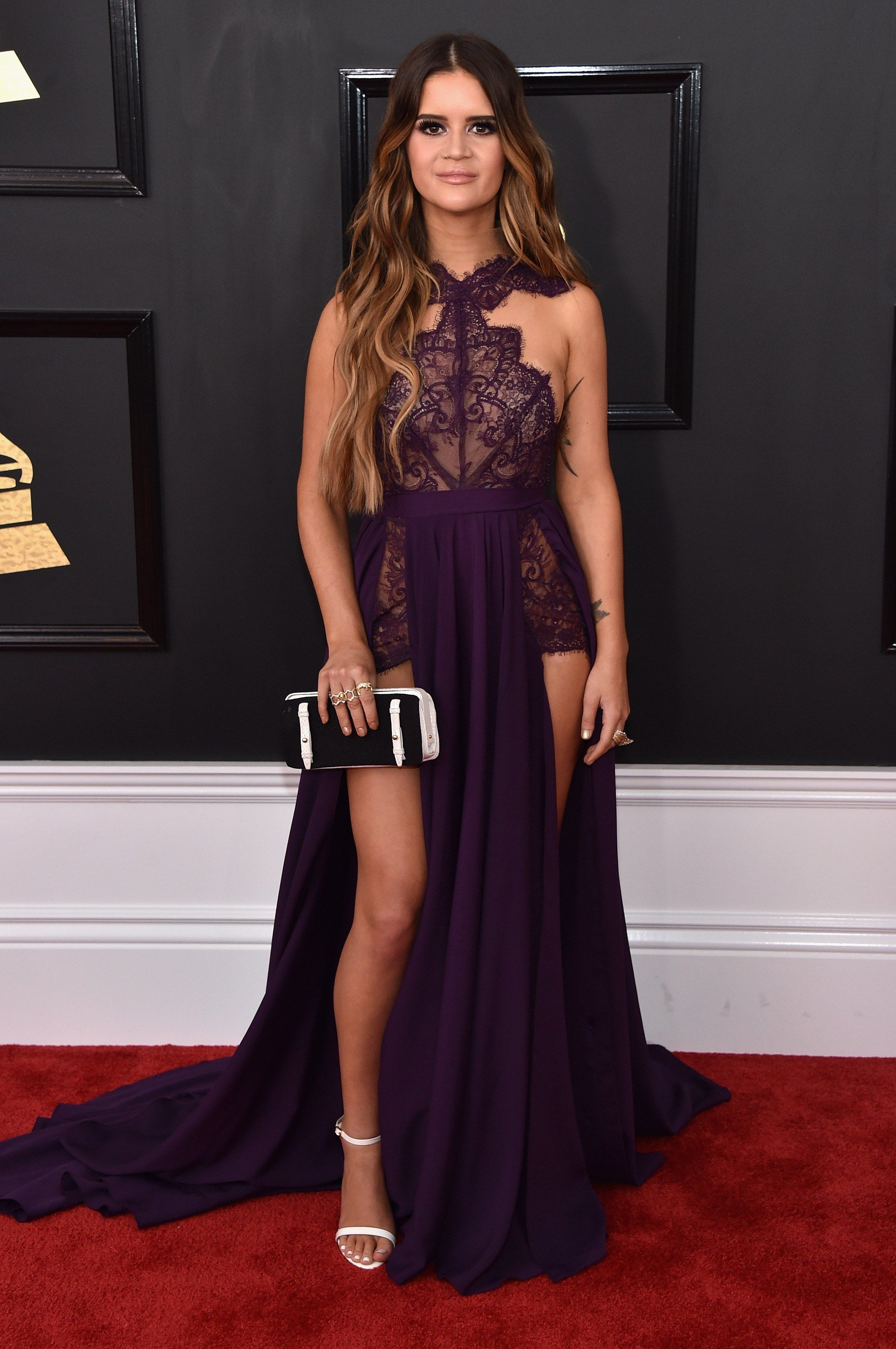Grammys fashionulive from the red carpet maren morris red