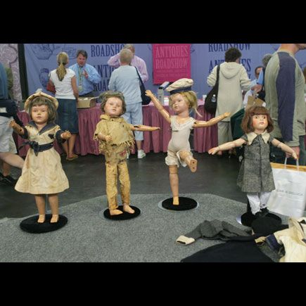 Schoenhut Dolls appearing on the Antiques Road Show!