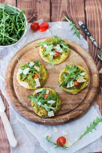 Minipizzen vegetarisch - ein leckerer Snack und das perfekte Fingerfood für Partys