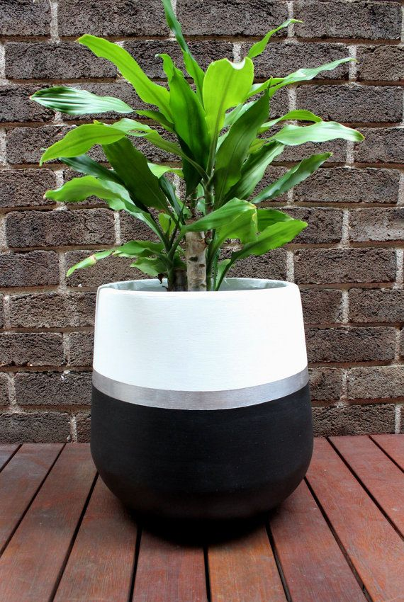 Hand Painted Lightweight Indoor Plant Pot Black White Silver Con