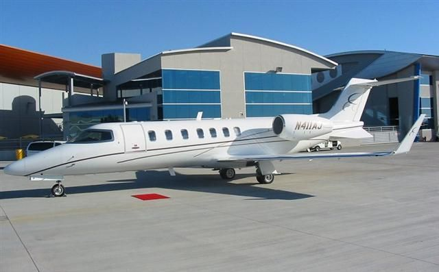 2004 Learjet 40 for sale in Canada => www.airplanemart.com/aircraft-for-sale/Business-Corporate-Jet/2004-Learjet-40/11362/