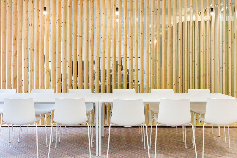 comment dcorer un intrieur avec des lames de bois - Separation En Bois Deco Interieure