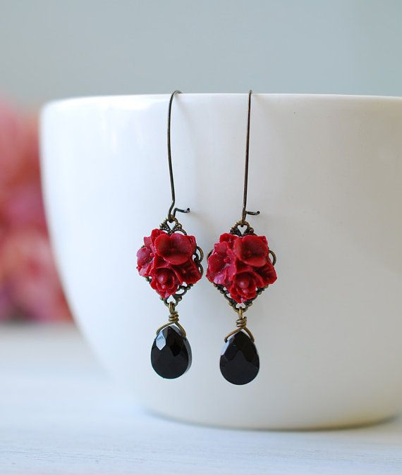 Maroon Burgundy Flowers Bouquet Teardrop Black Onyx Glass