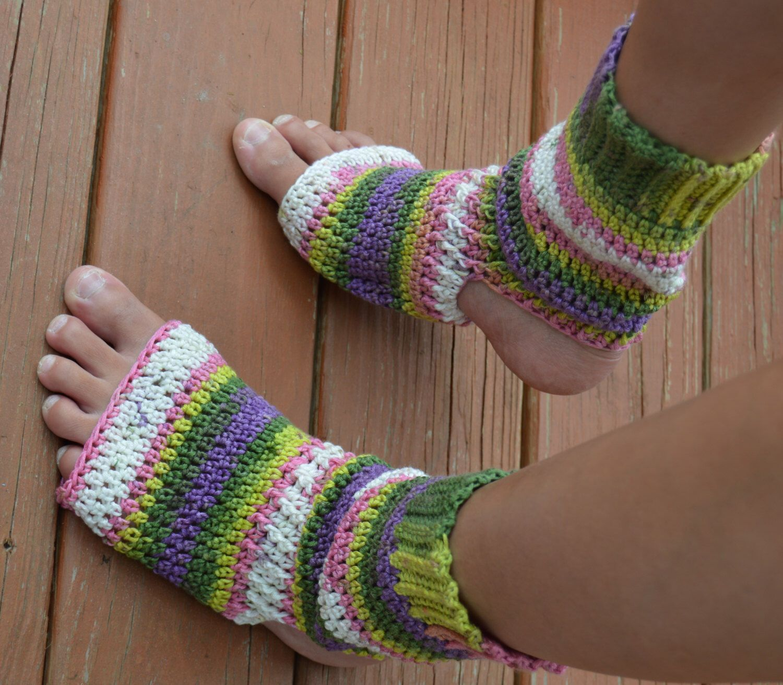 df45f114dd9738 Sassy Pedicure Socks pattern by Lisa Gentry.