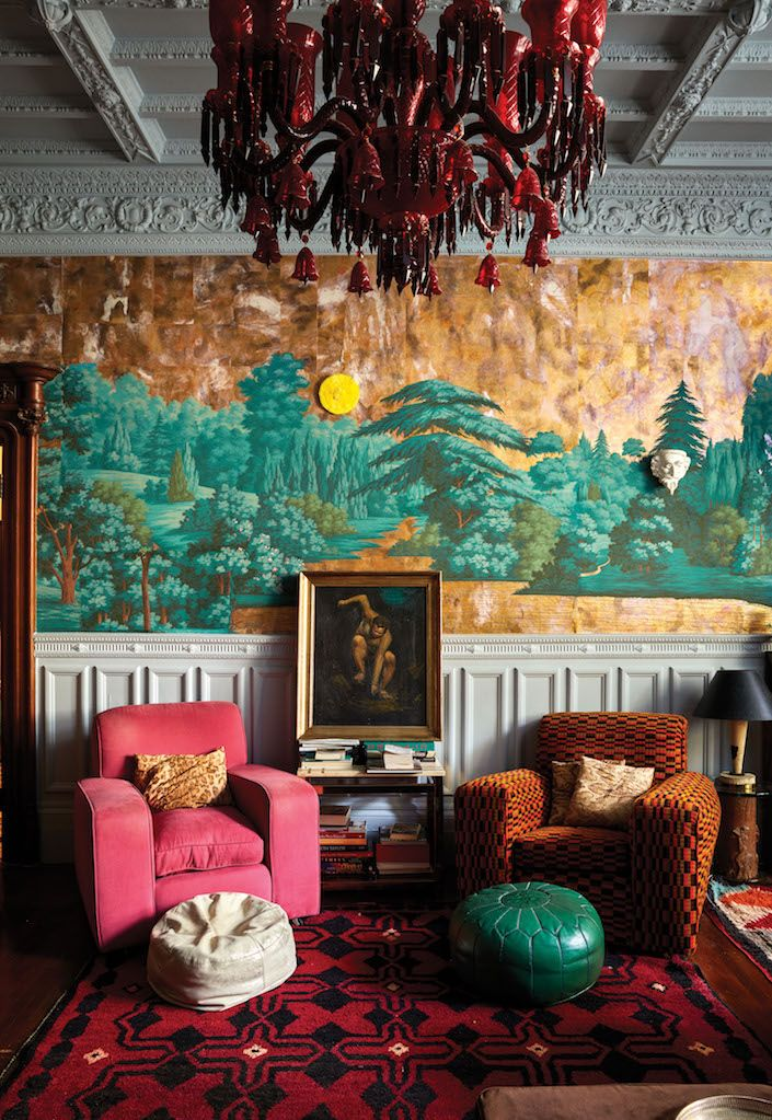 Solange Azagury-Partridge home in The Authentics, photo by Melanie - designer tapeten einrichtung maskuline note