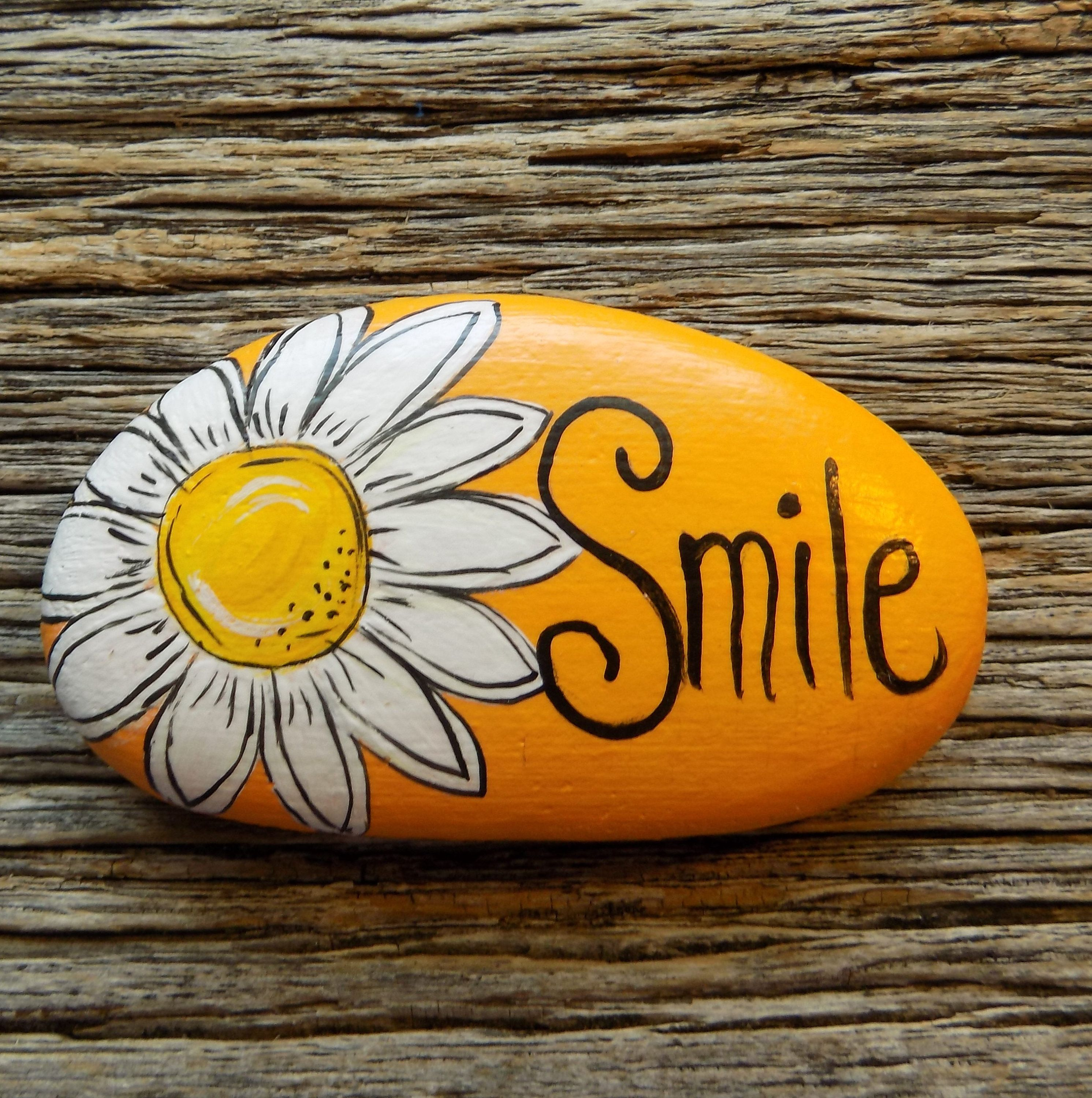 Smile Daisy Painted Rock Decorative Accent Stone Paperweight Etsy Stone Art Painting Rock Painting Tutorial Rock Painting Designs