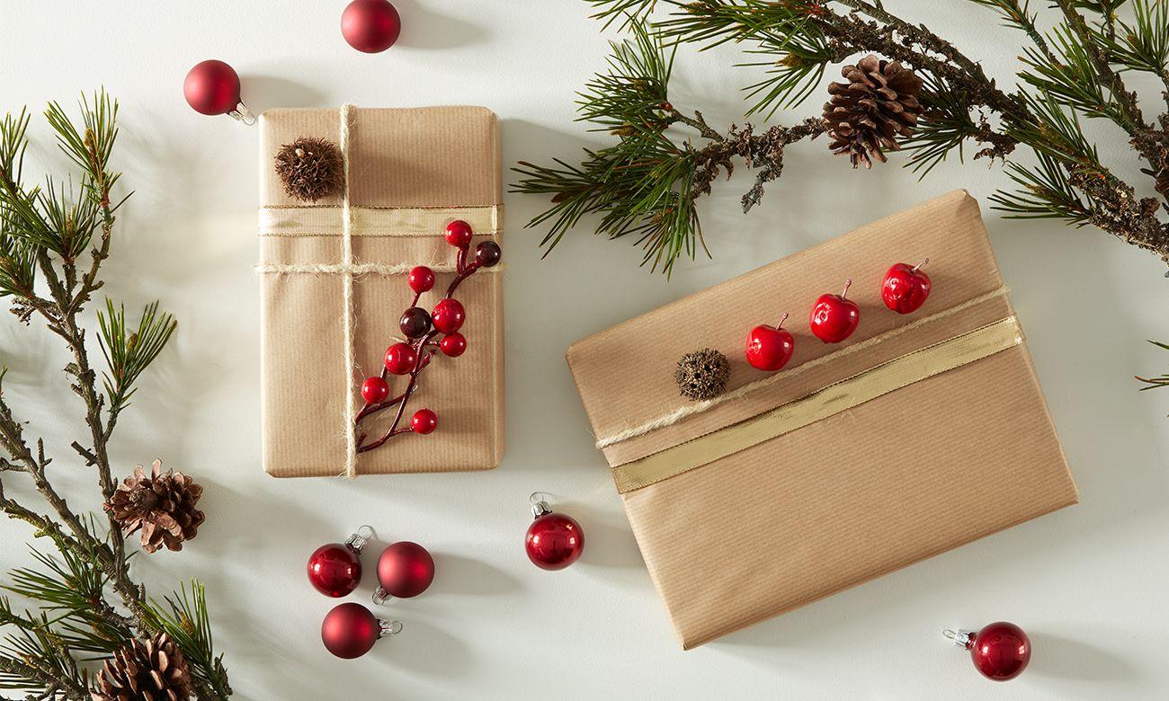 """Auch wenn es heißt """"nur der Inhalt zählt"""", so ist doch eine 🎁hübsche Verpackung rund um das Geschenk auch etwas Schönes. 😉 Und das tolle bei Geschenkverpackungen – hier kann man seiner Kreativität freien Lauf lassen. Schon mit den einfachsten Bastelutensilien lässt sich eine tolle Geschenkverpackung zaubern. Ich habe für euch mal ein paar Möglichkeiten …"""