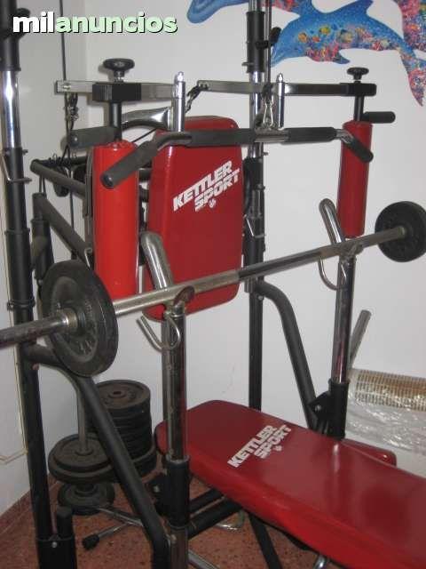 . Maquina kettler profesional en perfecto estado, tiene mas de 20 pesas , barra porta pesas y todos tipo de accesorios como puedes ver en las fotos.