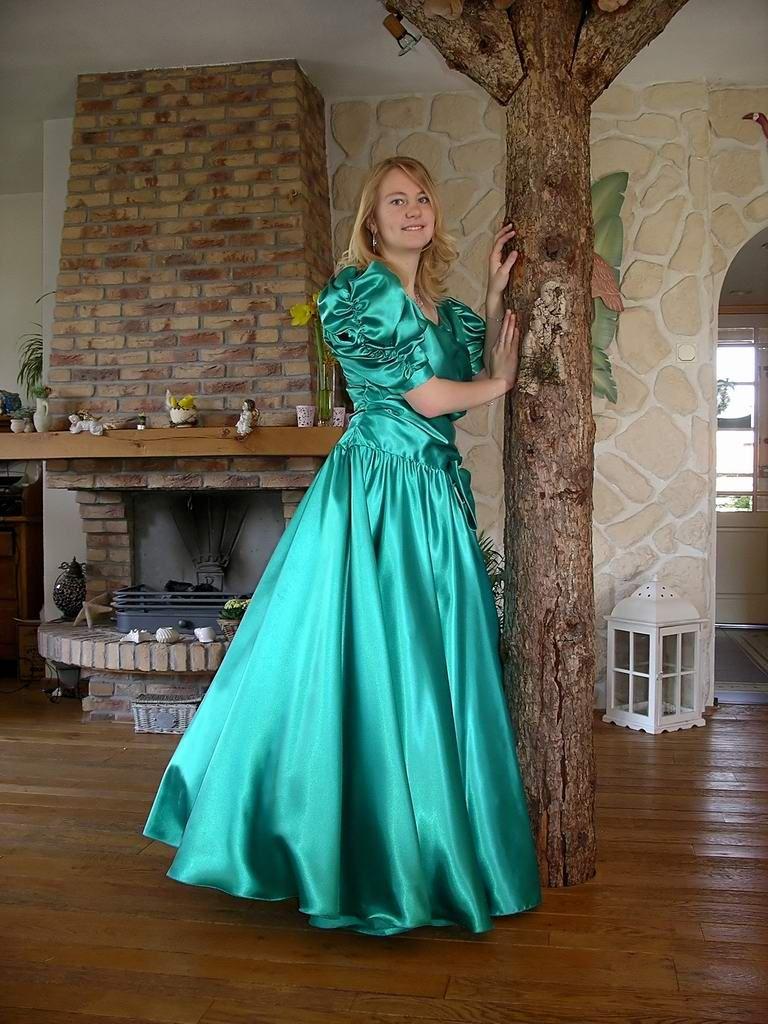 Slave Celina | dresses i wish i could wear | Pinterest | Satin ...