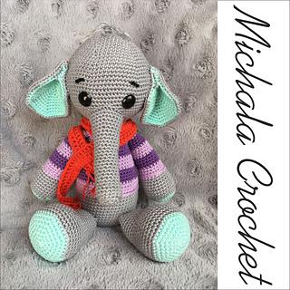 Crochet elephant pattern by Michala Hendrychová